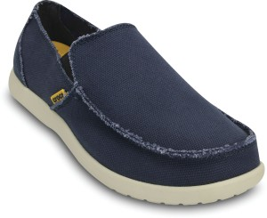 64e7e7bbcd1 Crocs Loafers Blue Best Price in India