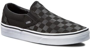 eb84a26c72 VANS CLASSIC SLIP ON Men Loafers Best Price in India