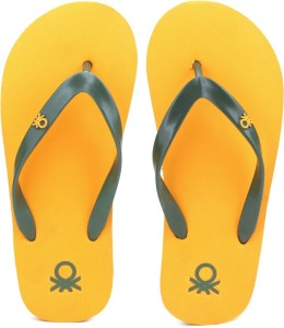 5448c65ce6d5d United Colors of Benetton Flip Flops Best Price in India