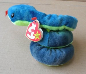 b129808e6d0 Smartbuy Ty Beanie Babies Hissy The Snake Animal Plush 3 Inches ( Blue )