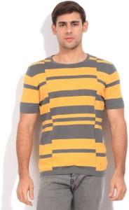 f4f47e5454 United Colors of Benetton Striped Round Neck Casual Men Green, Yellow  Sweater