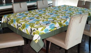 Lushomes Printed 8 Seater Table Cover