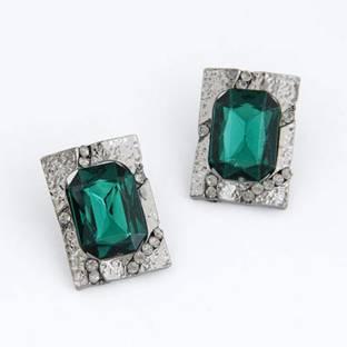 Sunskriti 107 Emerald Metal Stud Earring