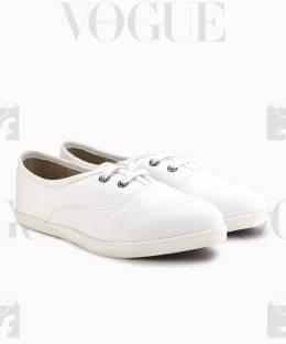 19d6f82b0ae3 REEBOK On Court Iii Lp Sneakers For Women - Buy Gray