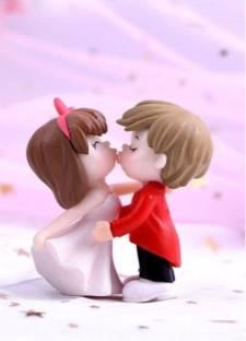 P s retail Sweety Lovers Couple Kissing Style Figurine Miniature- Style 13 -(2pcs/Set) Decorative Showpiece  -  5.5 cm