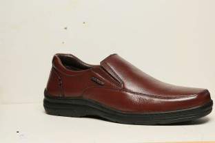 Clarks Bradley Fall Mens Slip-on Shoes Mens Footwear Shop Mens Footwear COLOUR-black