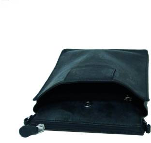 d5e2e218de7d NewFeel Tr Washkit Travel Toiletry Kit Black - Price in India ...