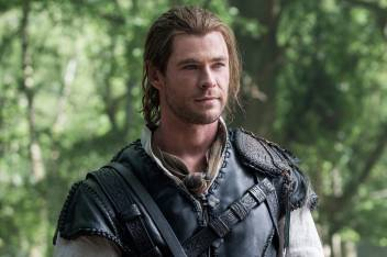 Pl The Huntsman Winters War Hq Wall Poster 13 19 Inches Paper Print Movies Posters In India Buy Art Film Design Movie Music Nature And Educational Paintings Wallpapers At Flipkart Com