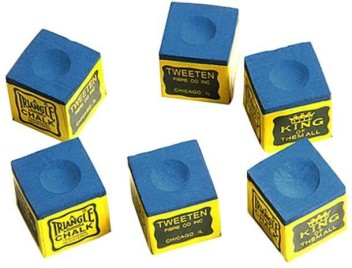 A BOX OF 12 x PIECES OF TRIANGLE CHALK