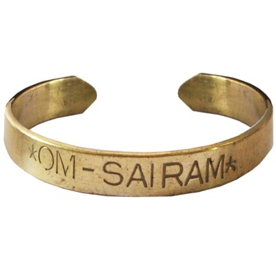 https://rukminim1.flixcart.com/image/400/400/bangle-bracelet-armlet/2/9/q/mkka050006-2-6-rich-famous-1-original-imaejpwvyezy2tgs.jpeg?q=90