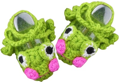 AkinosKIDS Newborn Green crochet Character Infant Booties Booties(Toe to Heel Length - 17 cm, Green)