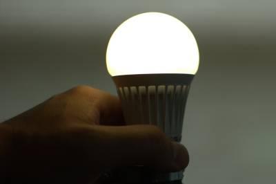 3-W-LED-Energy-Efficient-Bulb-B22-Cool-White