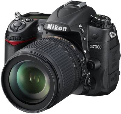 Nikon D7000 SLR with AF-S 18-105mm VR Kit Lens Image
