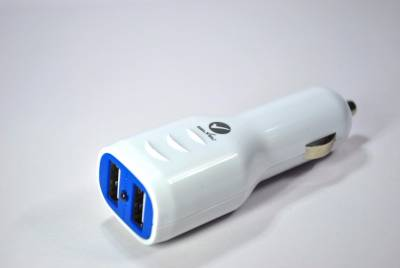 Selvel-2.1A-Dual-USB-Car-Charger