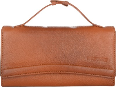 Vestire Women Casual Tan  Clutch