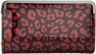 https://rukminim1.flixcart.com/image/400/400/clutch/r/q/m/2036t-fashion-knockout-clutch-pink-cobra-print-original-imae6hjyvpesgkhg.jpeg?q=90