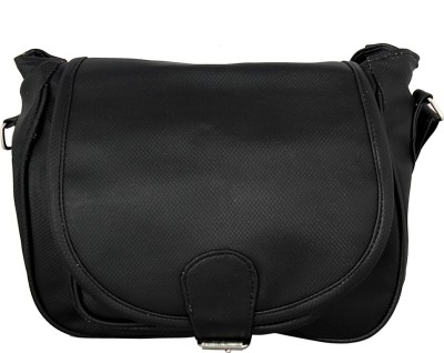 Esskay Hand-held Bag(Black)