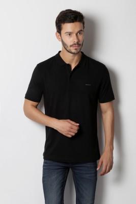 40bd150452 Buy Van Heusen Solid Men's Polo Neck Black T-Shirt on Flipkart    PaisaWapas.com