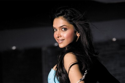 Dakshita DEEPIKA PADUKON SMILE FACE Poster (12x18) Paper Print 300 GSM Paper Print(18 inch X 12 inch, Rolled)  available at flipkart for Rs.185