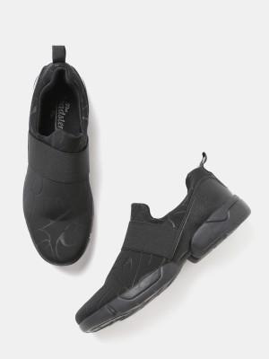 Roadster Sneakers For Women(Black) at flipkart