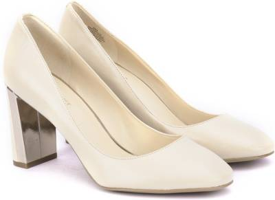 Nine West Women LIGHT NATURAL Heels