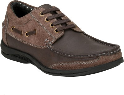 DELIZE Casuals(Brown) at flipkart