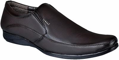Bachini Slip On Shoes For Men(Brown) at flipkart