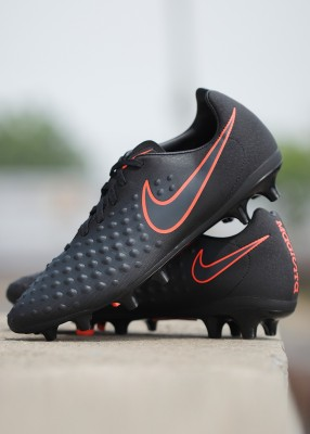 Nike MAGISTA ONDA II FG Football Shoes(Black) at flipkart
