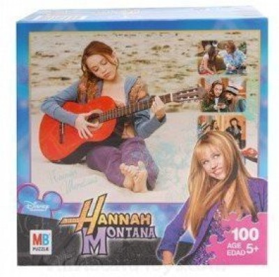 Hannah Montana Playing On The Beach(100 Pieces)