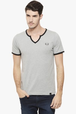 Rigo Solid Men V-neck Grey T-Shirt at flipkart