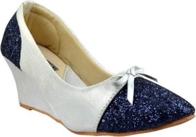 https://rukminim1.flixcart.com/image/400/400/j5zmw7k0/sandal/9/z/u/888-119-39-leatherwood1-blue-original-imaehv56yrzp7ukr.jpeg?q=90