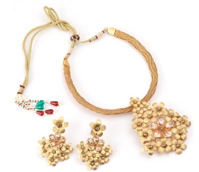 PRITA Alloy Jewel Set(Gold) at flipkart