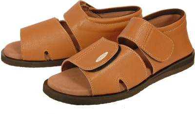 6e0a99e554f 13% OFF on PODIAC Men DIABETIC FOOTWEAR BROWN SANDALS CROWN Casual on  Flipkart