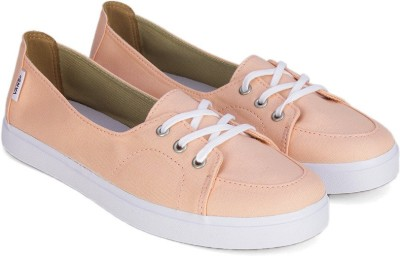 Flat 55% off on Vans PALISADES SF Women Casuals