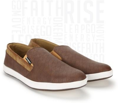 Metronaut Sneakers For Men(Brown) at flipkart
