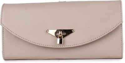 classic fashions Women Casual White  Clutch at flipkart