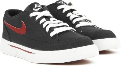 Nike GTS 16 TXT Sneakers For Men(Black) 1