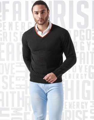 Metronaut Solid V-neck Casual Men Black Sweater at flipkart