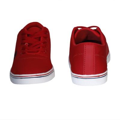 48d564550 Buy Fila ROBERTO Mid Ankle Sneakers For Men(Red) on Flipkart ...