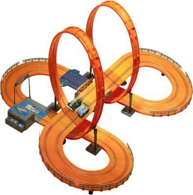 Hot Wheels Track Set - 683 cm (with adaptor)