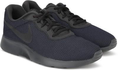 Nike TANJUN SE Sneakers For Men(Black) 1