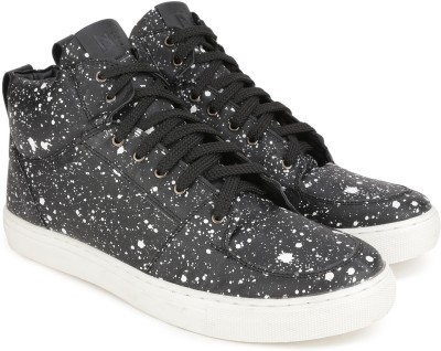 North Star Bonnie Sneakers For Women(White, Black) at flipkart