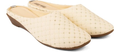 Cuty Fashion Women White Flats
