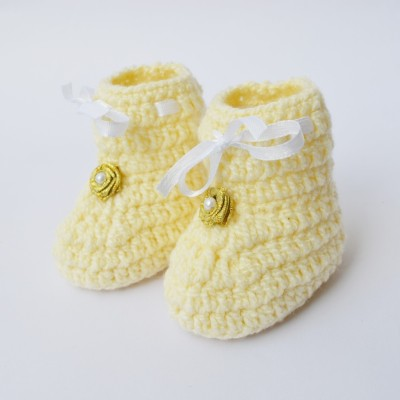 Love Crochet Art crochet baby booties for 0-6 months baby Booties(Toe to Heel Length - 9 cm, Creme)