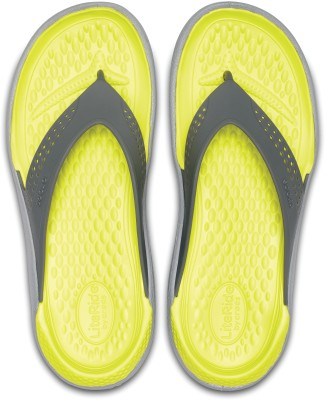 600db61d920a3d Buy Crocs LiteRide Flip Flip Flops on Flipkart