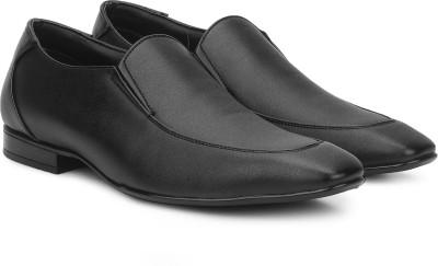 Bata JOFFREY Slip On For Men(Black) at flipkart