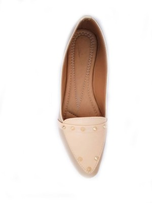 https://rukminim1.flixcart.com/image/400/400/jefzonk0/shoe/z/e/8/bellies102-7-a-s-collections-off-white-original-imaffwdhefdz7ykb.jpeg?q=90