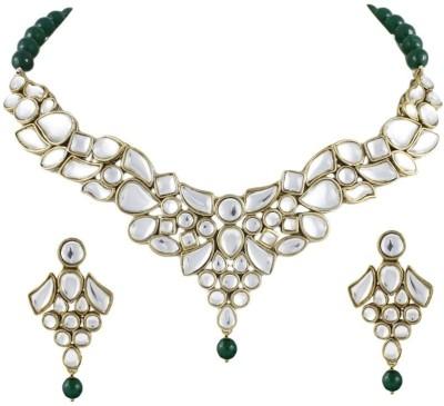 Karatcart Brass, Alloy Jewel Set(Gold, Green) at flipkart