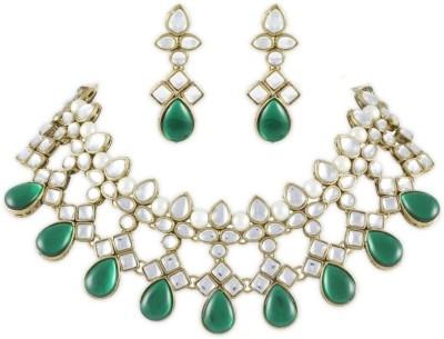 Karatcart Brass, Alloy Jewel Set(Gold, Green, White) at flipkart