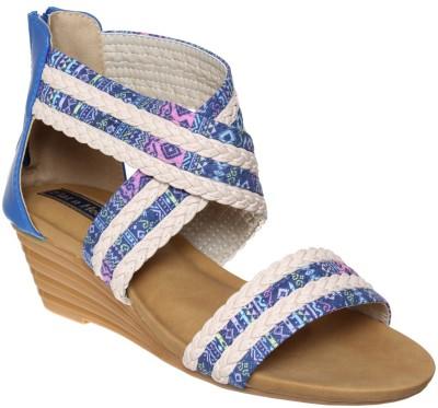 https://rukminim1.flixcart.com/image/400/400/jfr57rk0/sandal/t/b/5/fnh-309-38-flat-n-heels-blue-original-imaf45ffhf5vgzfz.jpeg?q=90